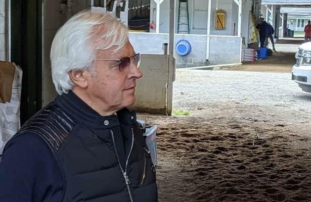 Baffert won't be 'distraction,' will skip trip to Preakness