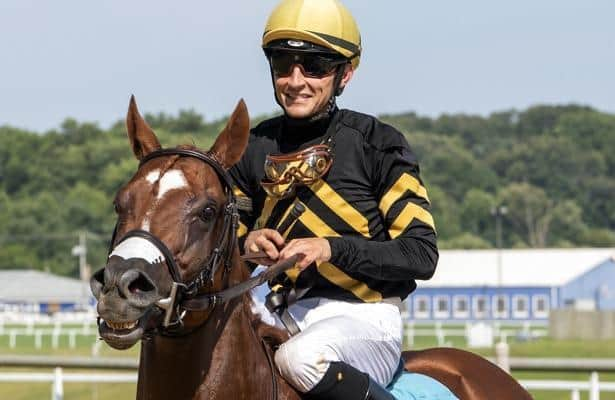 Lexitonian upsets Mind Control to win Laurel's Concern Stakes