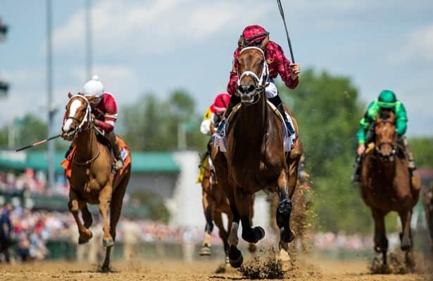 Is there an outside dirt bias at Churchill Downs?