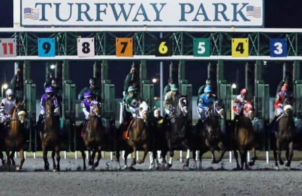 Turfway Park opens with new racing surface, no grandstand